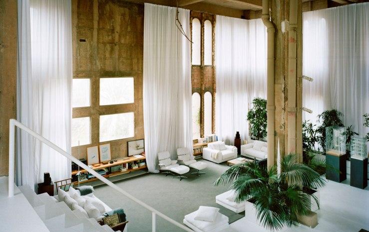 Living space in la Fabrica (copyright Ricardo Bofill Taller de Arquitectura)