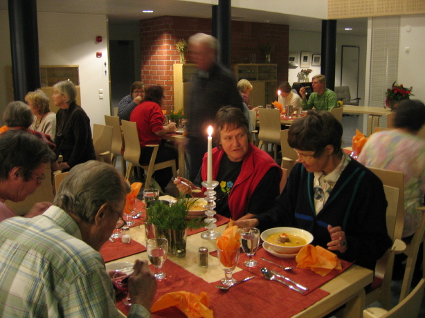 Dinner, copyright http://www.loppukiriseniorit.blogspot.fi/